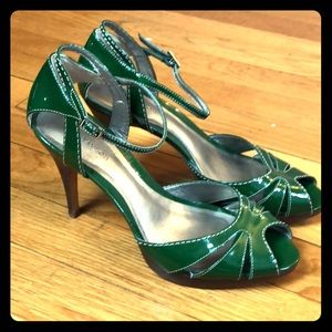 Ann Taylor Patent Leather Green Heel Size 7B
